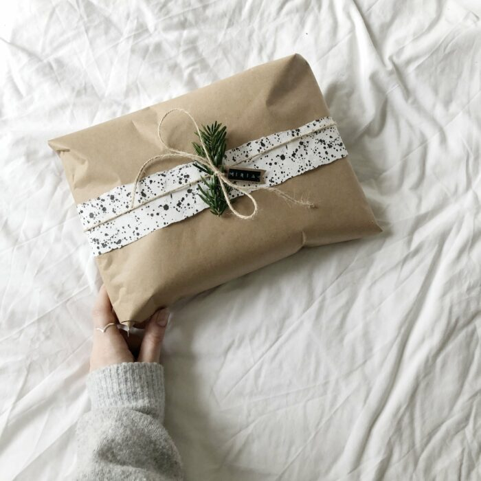Sustainable and Eco-Friendly Christmas Gift Wrapping Ideas